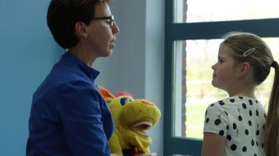 f12eb68ad446b5 Hoe leren kinderen dat het best gezellig is bij de tandarts?